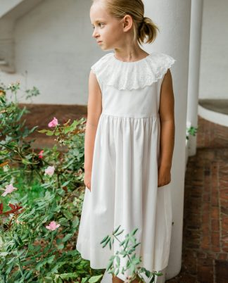 Ivory 100% Cotton Linen look with a beautiful lace collar.
